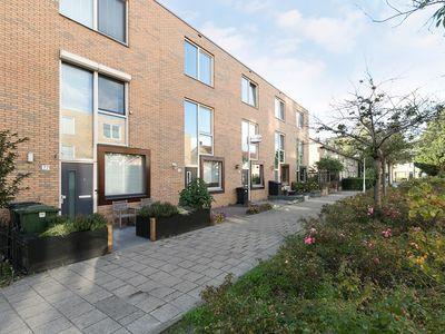 Beugstraat 75 te Hoogvliet Rotterdam