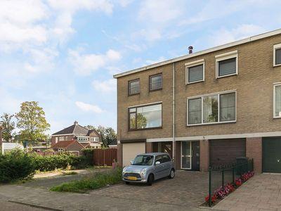 Van Cruiningenweg 1, Heenvliet