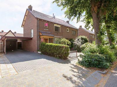 Jan Van Aemstelstraat 12, Lopik